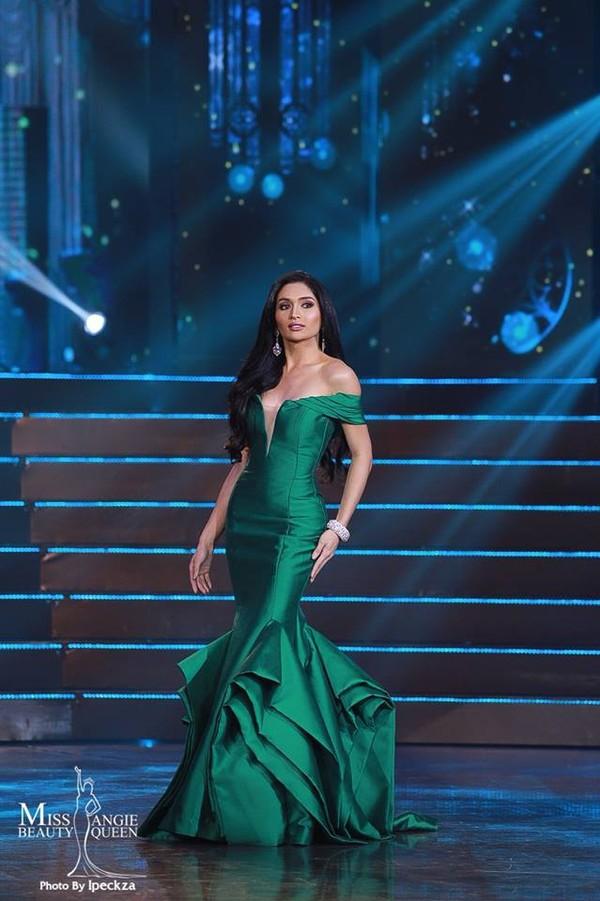 Nhật Hà chặt đẹp dàn thí sinh ở phần thi dạ hội tại chung kết Miss International Queen 2019 - Ảnh 11.