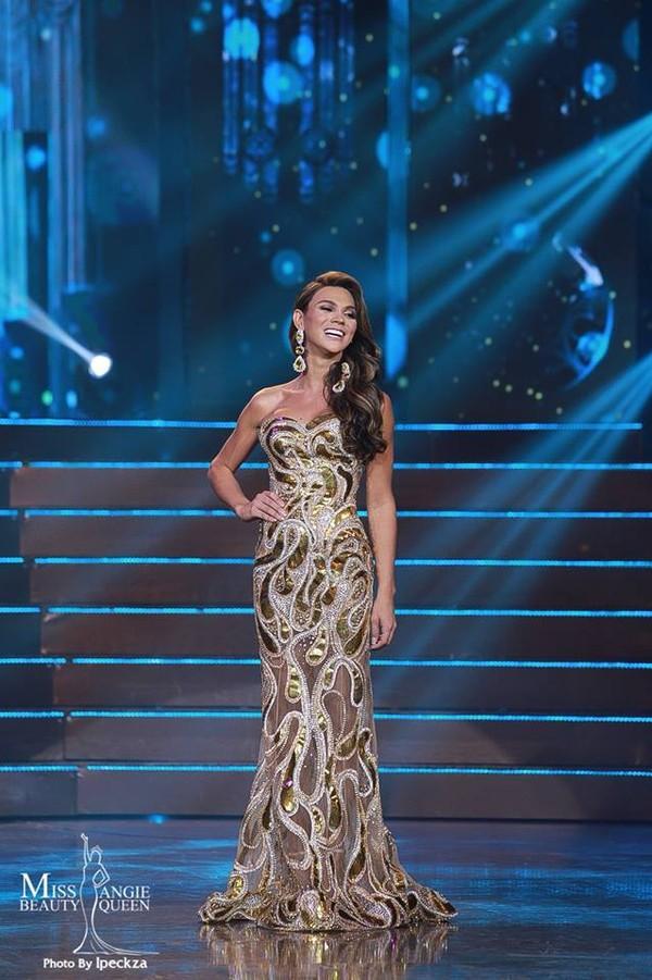 Nhật Hà chặt đẹp dàn thí sinh ở phần thi dạ hội tại chung kết Miss International Queen 2019 - Ảnh 12.
