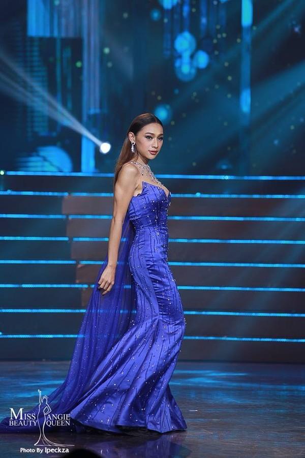Nhật Hà chặt đẹp dàn thí sinh ở phần thi dạ hội tại chung kết Miss International Queen 2019 - Ảnh 14.