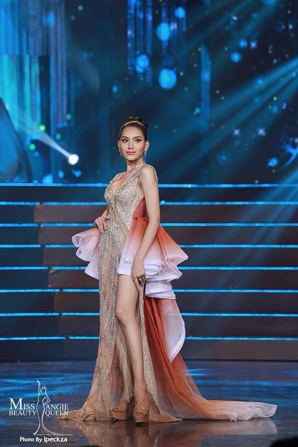 Nhật Hà chặt đẹp dàn thí sinh ở phần thi dạ hội tại chung kết Miss International Queen 2019 - Ảnh 18.