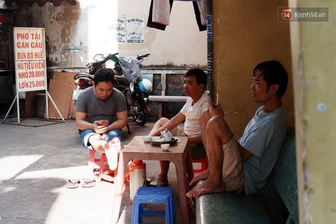 8/3 ở xóm bà bầu Sài Gòn: Những người phụ nữ gian nan đi tìm thiên chức làm mẹ và tình người trong con hẻm hy vọng - Ảnh 2.
