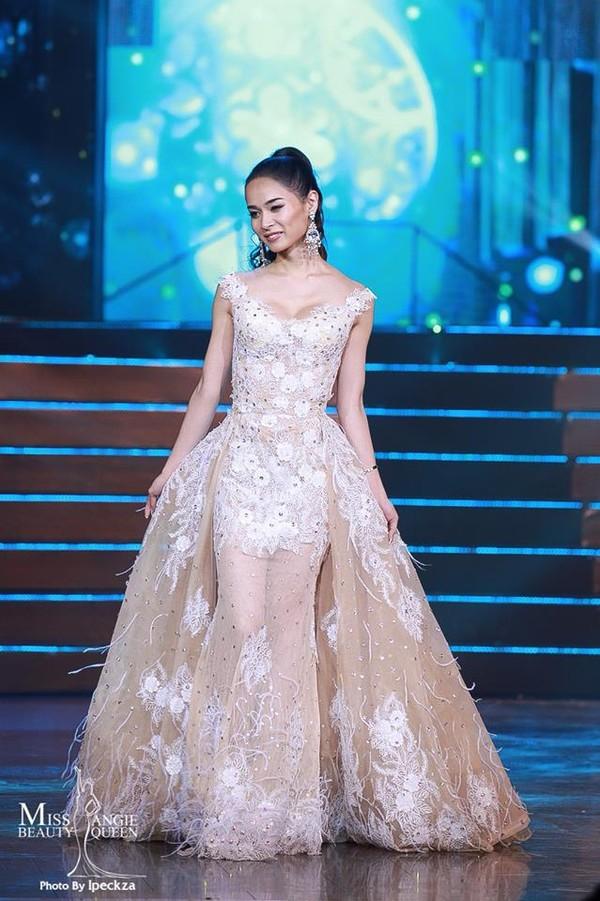 Nhật Hà chặt đẹp dàn thí sinh ở phần thi dạ hội tại chung kết Miss International Queen 2019 - Ảnh 25.