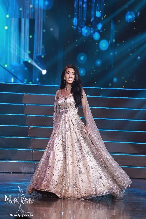 Nhật Hà chặt đẹp dàn thí sinh ở phần thi dạ hội tại chung kết Miss International Queen 2019 - Ảnh 28.