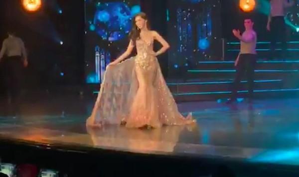 Nhật Hà chặt đẹp dàn thí sinh ở phần thi dạ hội tại chung kết Miss International Queen 2019 - Ảnh 4.