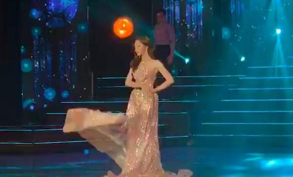 Nhật Hà chặt đẹp dàn thí sinh ở phần thi dạ hội tại chung kết Miss International Queen 2019 - Ảnh 5.