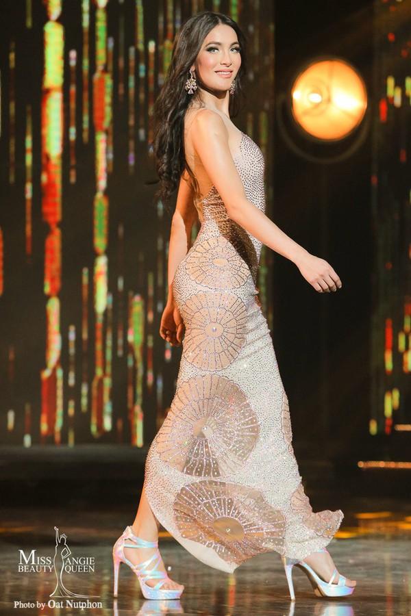 Nhật Hà chặt đẹp dàn thí sinh ở phần thi dạ hội tại chung kết Miss International Queen 2019 - Ảnh 8.