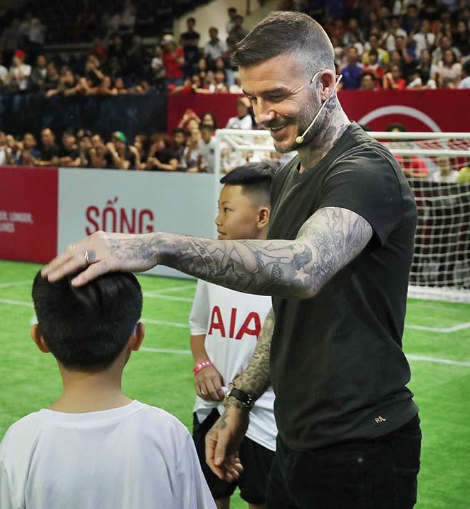 David Beckham vui vẻ trêu đùa con gái siêu mẫu Hà Anh - Ảnh 5.