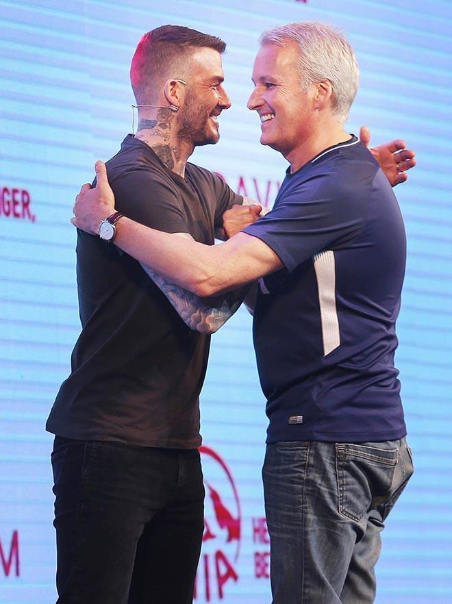 David Beckham vui vẻ trêu đùa con gái siêu mẫu Hà Anh - Ảnh 9.