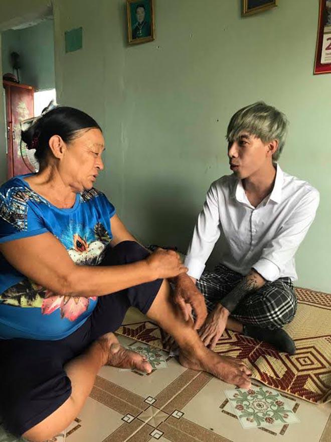 Ca sĩ Việt 27 tuổi giải nghệ vì mắc ung thư, đôi mắt gần như đã mù - Ảnh 4.