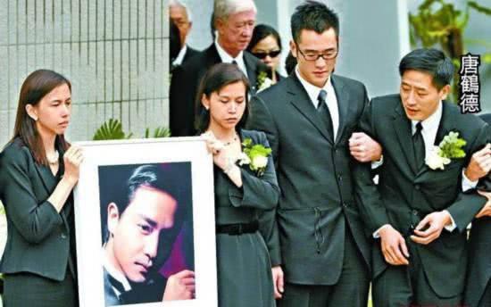 Vì người phụ nữ này, 16 năm trước không một tờ báo nào chụp được bức ảnh dung nhan của Trương Quốc Vinh khi tự vẫn - Ảnh 5.