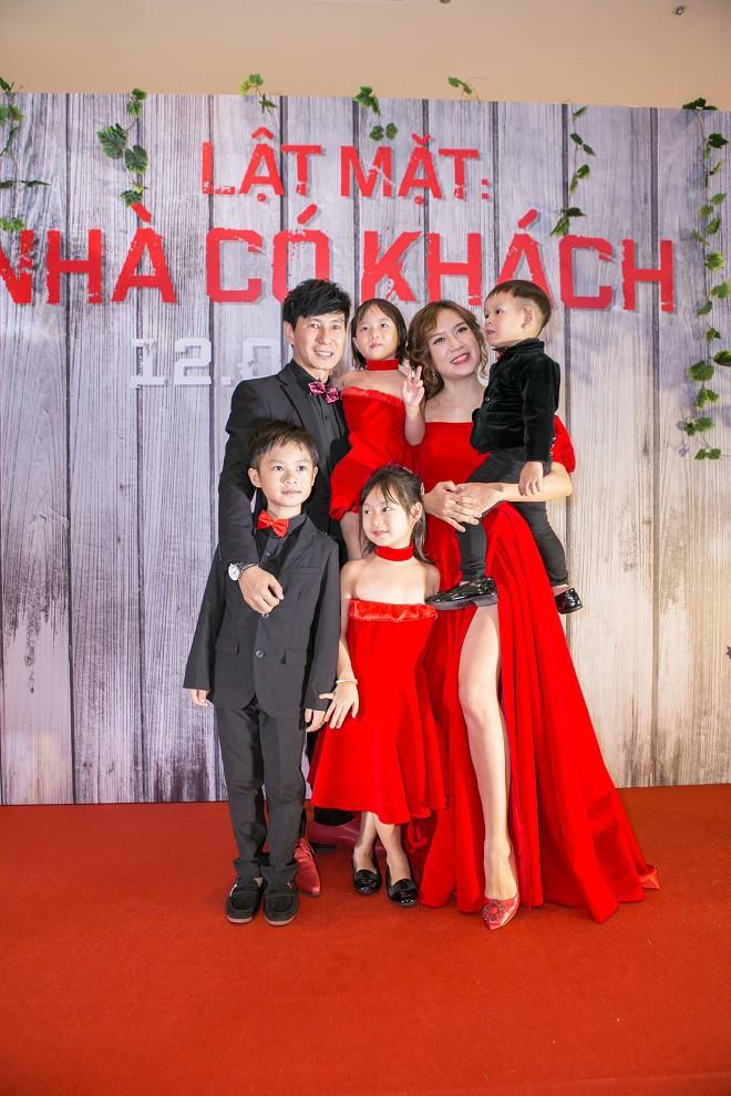 Trường Giang, Ngô Thanh Vân và dàn sao Việt chúc mừng Lý Hải ra mắt Lật mặt 4 - Ảnh 3.