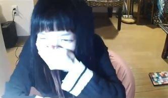 Đang livestream bình thường, cô gái đột nhiên đòi ăn nắm cơm to bằng nắm đấm, 3 phút sau bi kịch xảy ra - Ảnh 3.