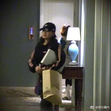 Scandal ngoại tình của mỹ nam Hoa Thiên Cốt: Tiểu tam chạy vội vào phòng, trở ra với chiếc quần ngủ khác biệt - Ảnh 5.