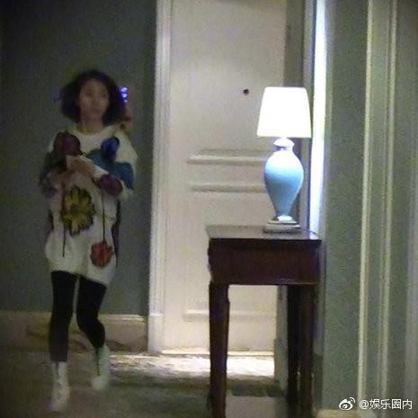 Scandal ngoại tình của mỹ nam Hoa Thiên Cốt: Tiểu tam chạy vội vào phòng, trở ra với chiếc quần ngủ khác biệt - Ảnh 9.