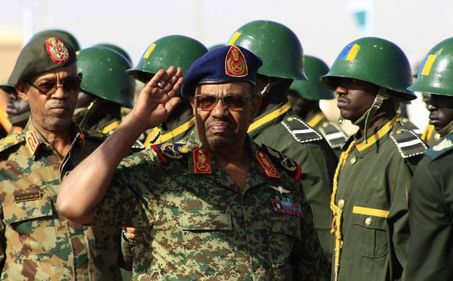 Đảo chính quân sự Sudan: Quân đội bắt giữ Tổng thống, tuyên bố giải tán chính phủ - Ảnh 4.