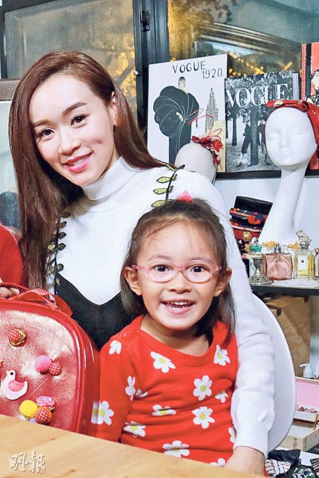 Dương Tư Kỳ: Hoa hậu tham phú phụ bần, trắng tay vì mang tiếng không chồng mà chửa, tuổi 41 làm mẹ đơn thân xây lại cuộc đời - Ảnh 5.