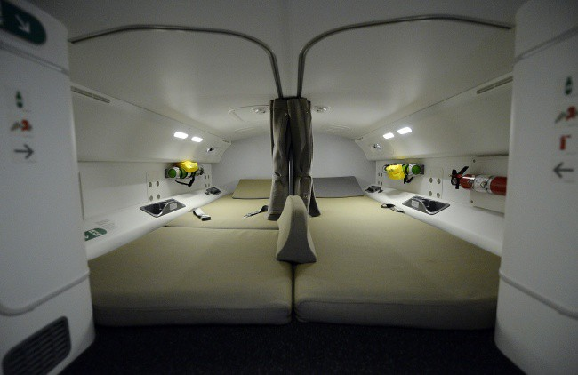 Bí mật tam giác đen trên máy bay: Nhỏ nhưng có tác dụng vô cùng lớn khi khẩn cấp - Ảnh 6.