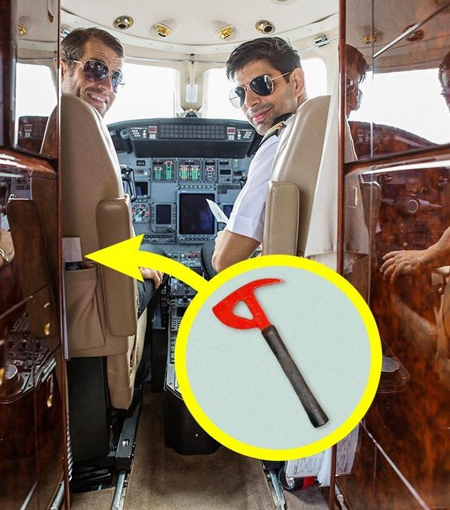 Bí mật tam giác đen trên máy bay: Nhỏ nhưng có tác dụng vô cùng lớn khi khẩn cấp - Ảnh 2.