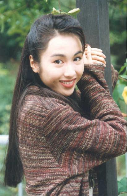 Lê Tư hồi trẻ đẹp thế nào mà Trương Bá Chi phải nói: Ở Hong Kong tôi chỉ thừa nhận cô ấy đẹp hơn tôi - Ảnh 1.