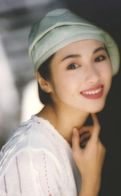 Lê Tư hồi trẻ đẹp thế nào mà Trương Bá Chi phải nói: Ở Hong Kong tôi chỉ thừa nhận cô ấy đẹp hơn tôi - Ảnh 2.