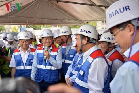 Thủ tướng thị sát tuyến Metro Bến Thành - Suối Tiên - Ảnh 2.