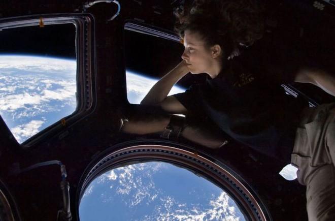Đâu chỉ ở Trái Đất, trạm vũ trụ quốc tế ISS cũng đầy vi khuẩn và nấm nhưng không ai rõ nó có nguy hiểm không - Ảnh 3.