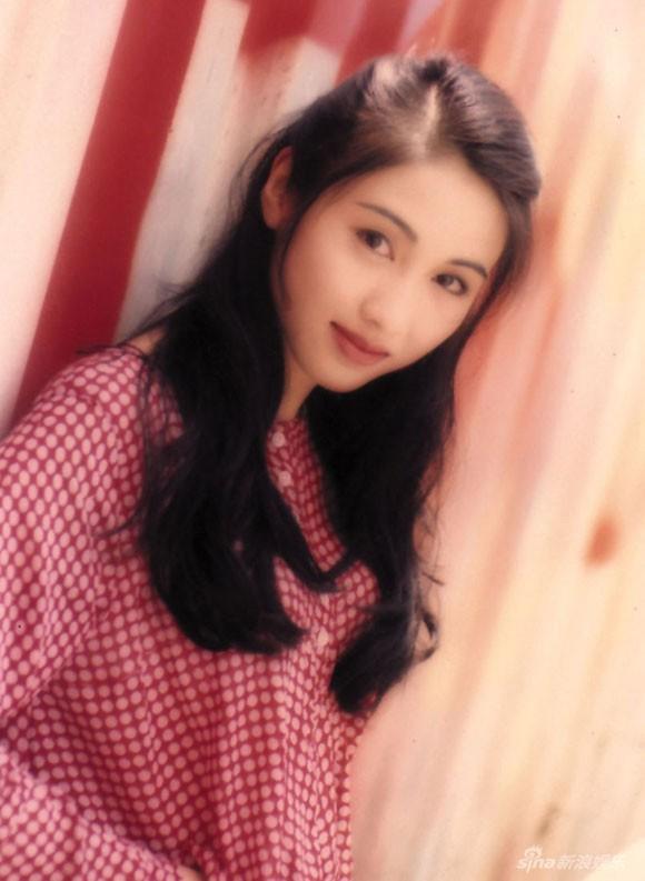 Lê Tư hồi trẻ đẹp thế nào mà Trương Bá Chi phải nói: Ở Hong Kong tôi chỉ thừa nhận cô ấy đẹp hơn tôi - Ảnh 12.
