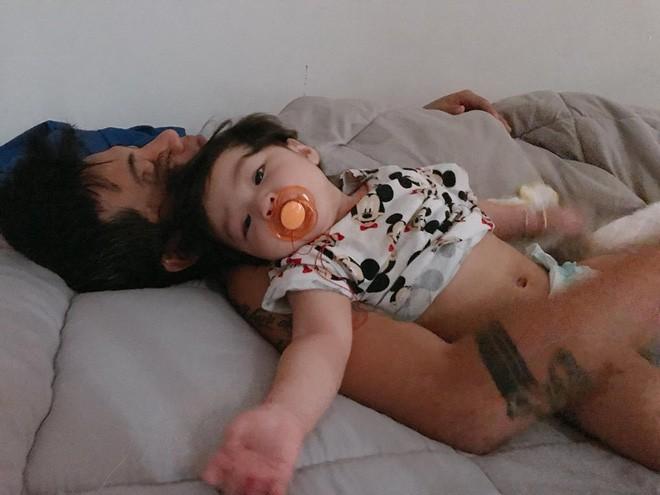 Khi bố và con gái khoe ảnh khẳng định chủ quyền thế giới này là của chúng mình, hội chị em chỉ biết đăng đàn tuyển chồng gấp - Ảnh 3.