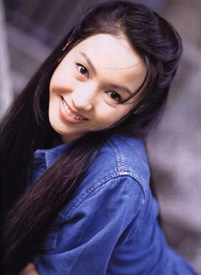 Lê Tư hồi trẻ đẹp thế nào mà Trương Bá Chi phải nói: Ở Hong Kong tôi chỉ thừa nhận cô ấy đẹp hơn tôi - Ảnh 8.