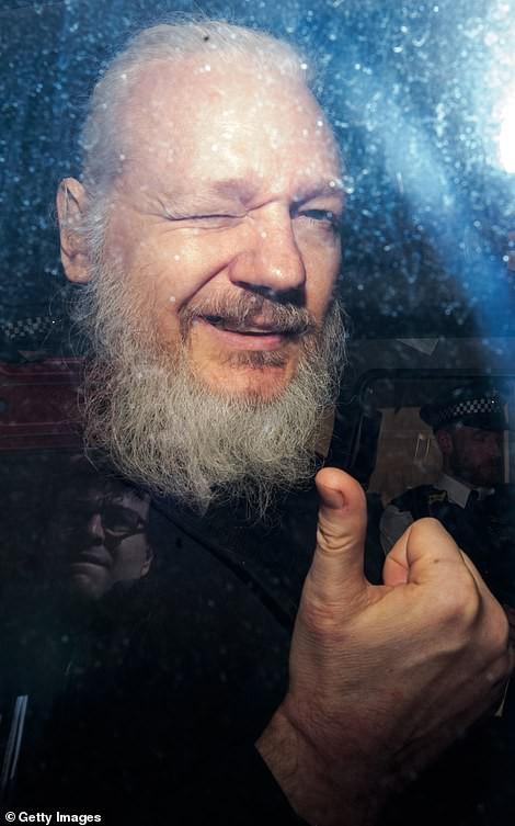 Vụ WikiLeaks: Sự phản bội khủng khiếp của Ecuador hay hành vi ăn cháo đá bát của ông Assange? - Ảnh 1.