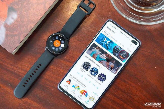 Trên tay đồng hồ Galaxy Watch Active giá 5,5 triệu đồng: đơn giản nhưng không kém phần sang trọng, thiết kế nhỏ gọn hợp với cổ tay người Á Đông - Ảnh 12.