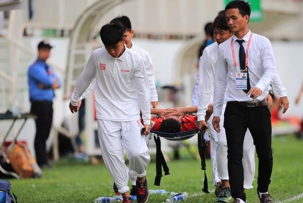 Sao U23 Việt Nam nhập viện khẩn, cầu thủ HAGL bị dọa trả đòn - Ảnh 2.