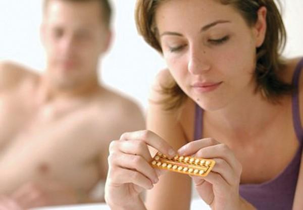 Thuốc tránh thai làm giảm ham muốn tình dục của phụ nữ? - Ảnh 1.