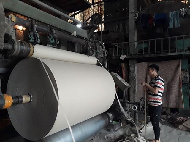 Hộ sản xuất, doanh nghiệp bắt đầu ngấm đòn tăng giá điện - Ảnh 3.