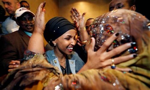 Chủ tịch Hạ viện lên án ông Trump vì công kích nữ nghị sĩ Hồi giáo - Ảnh 2.
