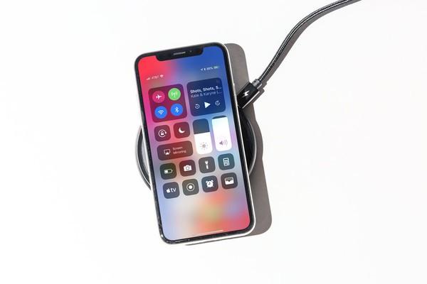 3 tính năng hấp dẫn sẽ xuất hiện trên iPhone 2019 nhưng đã có trước đó trên Samsung Galaxy S10 - Ảnh 3.