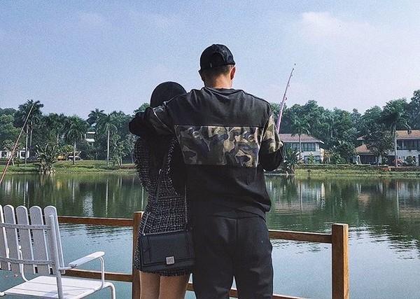 Hà Đức Chinh lần đầu công khai bạn gái - Ảnh 1.
