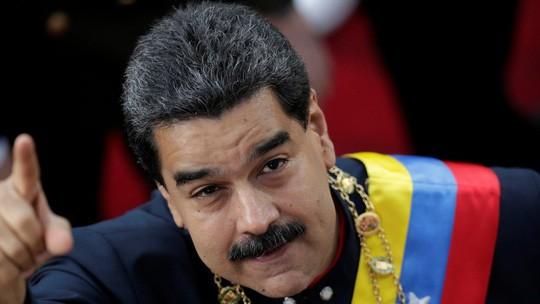 Ông Pompeo tới sát nơi lực lượng Venezuela đồn trú, thăm dân di cư - Ảnh 2.