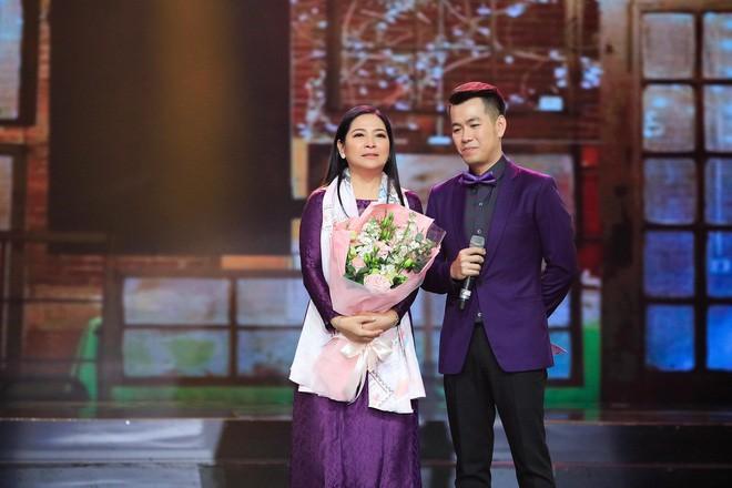 Khép lại 19 năm thanh xuân, MC Quỳnh Hương rơi nước mắt trong số cuối cùng dẫn Thay lời muốn nói - Ảnh 18.