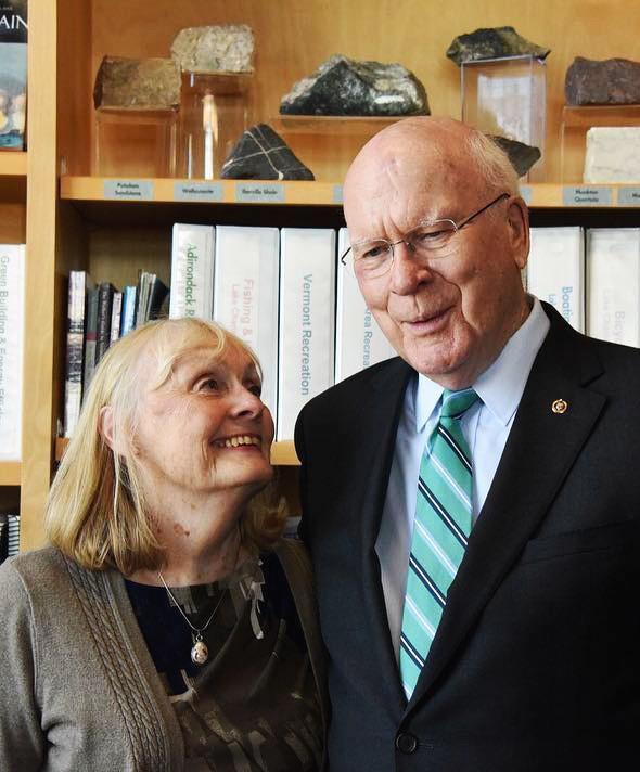 Thượng nghị sỹ Mỹ kể về cái hôn bất ngờ ở Việt Nam và câu chuyện khiến Tổng thống Bush rơi nước mắt - Ảnh 9.