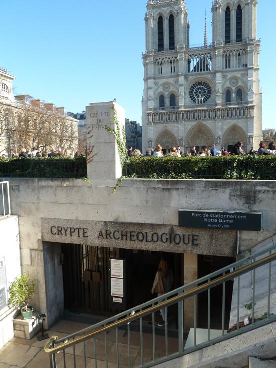 Kiến trúc khổng lồ gần 2.000 năm tuổi tồn tại ngay dưới chân nhà thờ Đức Bà Paris - Ảnh 3.
