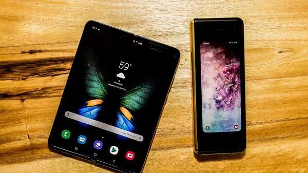 Cận cảnh Samsung Galaxy Fold: Smartphone đắt đỏ nhưng độc lạ và xịn sò nhất hiện nay! - Ảnh 2.