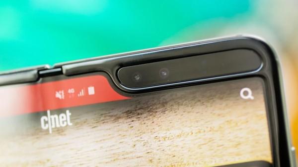 Cận cảnh Samsung Galaxy Fold: Smartphone đắt đỏ nhưng độc lạ và xịn sò nhất hiện nay! - Ảnh 5.