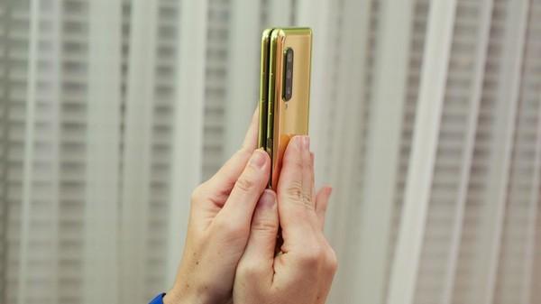Cận cảnh Samsung Galaxy Fold: Smartphone đắt đỏ nhưng độc lạ và xịn sò nhất hiện nay! - Ảnh 17.