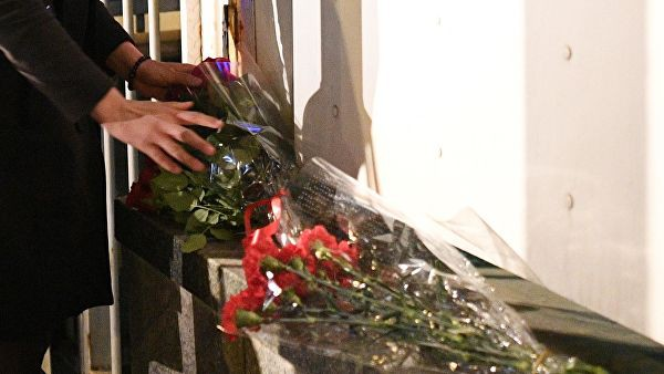 Cháy Nhà thờ Đức Bà Paris ngay đầu Tuần Thánh, một điềm báo chẳng lành: Giáo hội Chính thống Nga đau xót! - Ảnh 2.