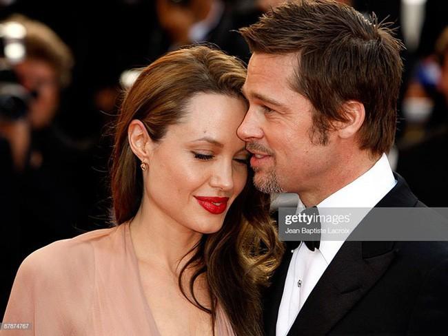 Angelina Jolie chính thức đổi họ sau khi không còn là vợ của Brad Pitt  - Ảnh 2.