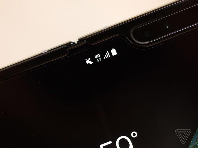 Trên tay Samsung Galaxy Fold: cầm nắm sướng tay, tiếng mở ra đóng vào nghe sướng tai và phần mềm thì tốt đáng ngạc nhiên - Ảnh 12.