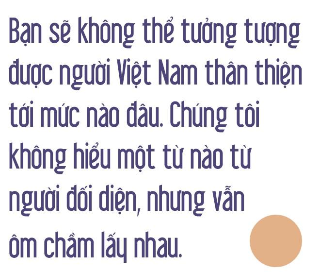 Thượng nghị sỹ Mỹ kể về cái hôn bất ngờ ở Việt Nam và câu chuyện khiến Tổng thống Bush rơi nước mắt - Ảnh 10.