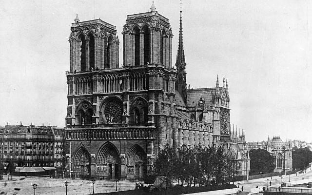 Bức ảnh hiếm: Vòm Nhà thờ Đức Bà lồng lộng khi Tổng thống lừng danh Mỹ qua đời - Ảnh 4.