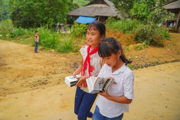 Khát vọng thay đổi cuộc đời và lòng hiếu học của những đứa trẻ vùng cao nơi địa đầu Tổ quốc - Ảnh 15.